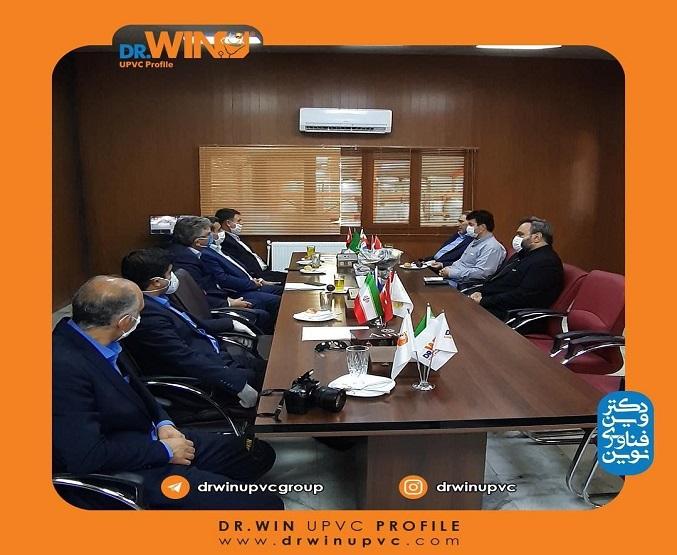 بازدید مدیریت شعب بانک صادرات استان البرز از دکتر وین