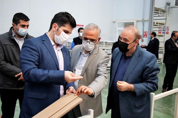 بازدید معاون استاندار و هیئت همراه از گروه کارخانجات آدوپن پلاستیک پرشین